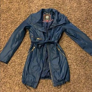 vince camuto blue trench coat